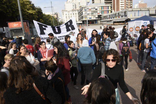 Los docentes universitarios de Coad rechazaron la oferta salarial y sigue el plan de lucha