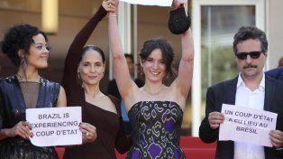 Politizados. Sonia Braga (segunda desde la izquierda)