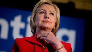 En punta. La demócrata Clinton.