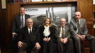 Un grupo de profesionales visitó La Capital y fue recibido el por el gerente general del diario