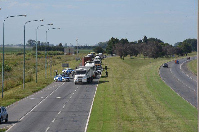 El choque se produjo en la autopista Rosario - Santa Fe.