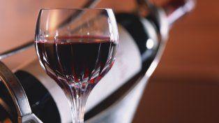 Los jóvenes aseguran que hasta el buen vino se puede conseguir en el laboratorio.