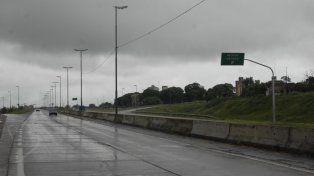 El padre del joven secuestrado arrojó el dinero desde el puente del acceso Sur y Uriburu.