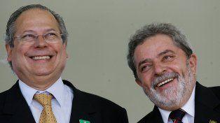 Entre rejas. Dirceu fue una de las principales figuras del primer gobierno de Lula y dirigente histórico del PT.