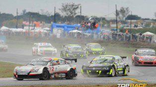 En pista. El Chevrolet Cruze de Chiaverano dio pelea en Resistencia.