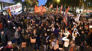 Los estudiantes de los terciarios marcharon por el centro de la ciudad.