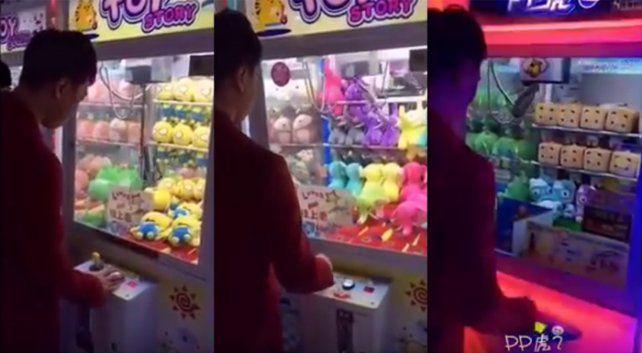 Este es el truco para ganar siempre en las máquinas de peluches