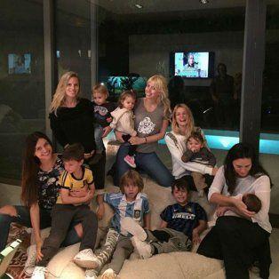 Wanda Nara, su hermana Zaira, sus hijos, y amigas en Buenos Aires.