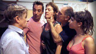 Familia. El elenco llega como parte de la gira del Teatro Nacional Cervantes.