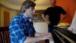 Claudio Cardone y Sebastián Riestra. A la derecha