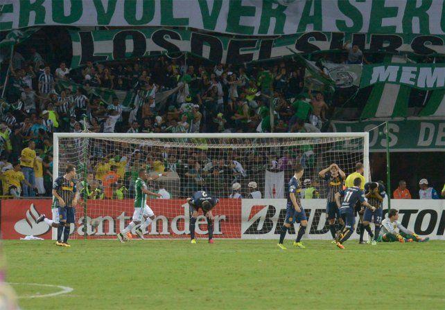 El Canalla quedó eliminado por un gol agónico en Medellín.