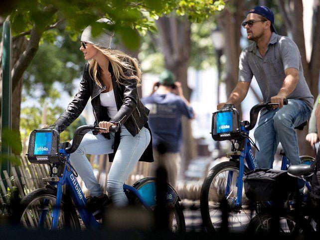 Leo Di Caprio y su novia de paseo por Nueva York.