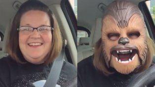 Candance Payne causó furor en Facebook con una máscara de Chewbacca