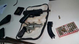Detuvieron en Santa Fe a un hombre con armas 9 milímetros que debían ser destruidas