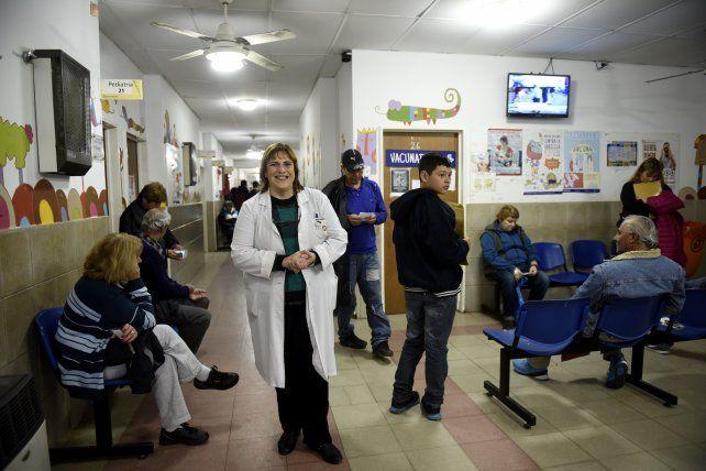 Prevención y vacunación. La infectóloga Sandra Alba se desempeña en el Hospital Carrasco.