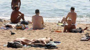 Revés. La veda se impone justo cuando las temperaturas permiten el retorno de los bañistas al mar.