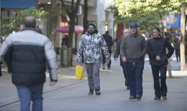 El frío otoñal se hace sentir en la ciudad.