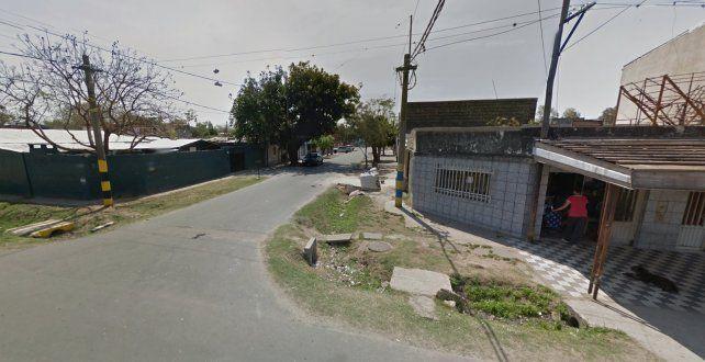 Una pareja fue baleada cuando ingresaba a su casa de Tafí y Presidente Quintana.