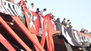 El Coloso va tomando color para el partido frente a Atlético Tucumán