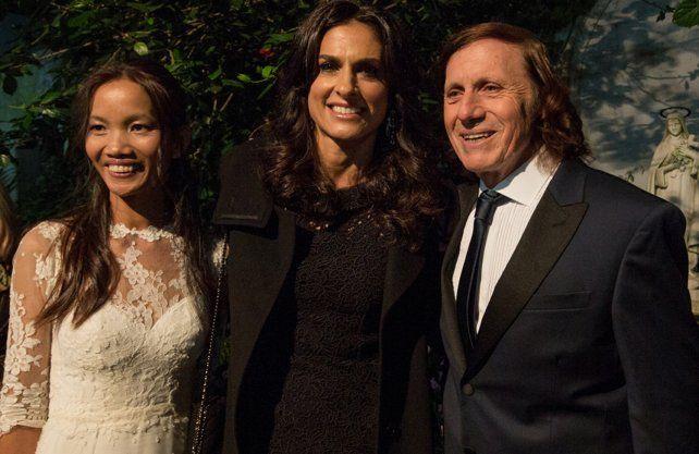 La boda de Guillermo Vilas y su mujer tailandesa que renovaron votos matrimoniales en Palermo