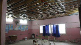 Espera eterna. En este salón aguardan desde hace tiempo el arreglo del techo.