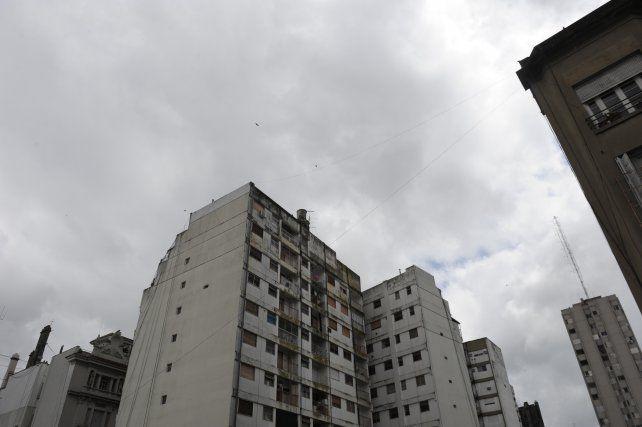 Domingo nublado y con probabilidad de lluvias y algunas tormentas por la tarde en la ciudad