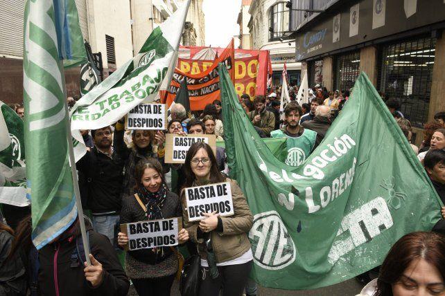 Los trabajadores de ATE protestaban en Rioja y Sarmiento.