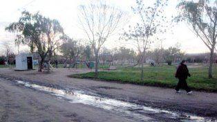 Demencial. La plaza que fue escenario del suplicio del chico.