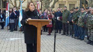 La intendenta Mónica Fein presidió esta mañana el acto en conmemoración a la Revolución de Mayo.