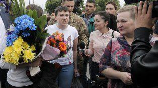 Excarcelada. La piloto llega a Kiev tras pasar dos años en una prisión rusa.