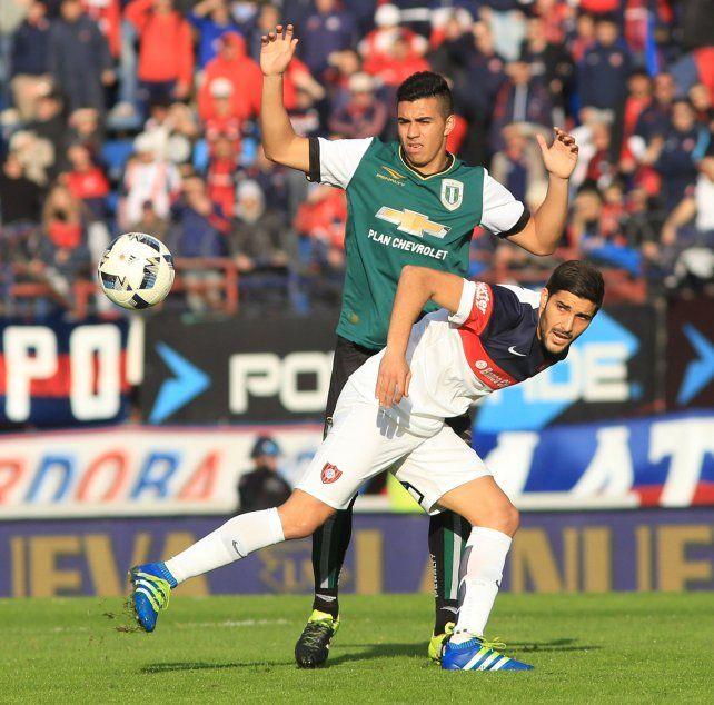 El goleador santo. Nicolás Blandi se recupera de un microdesgarro en la zona pectoral.