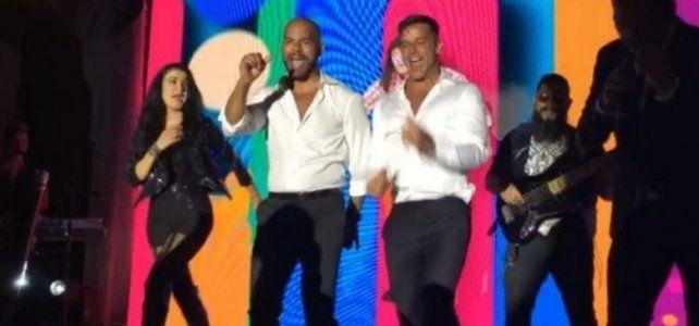 Ricky Martin bailó como lo hacía con Menudo