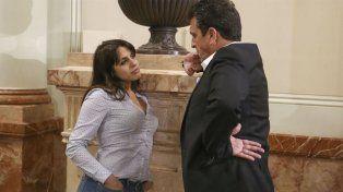 Victoria Donda y Sergio Massa fueron sorprendidos por una cámara indiscreta en la Legislatura.