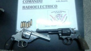 Las armas secuestradas por el Comando Radioeléctrico.