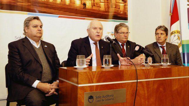 preocupados. El gobernador Lifschitz anunció un Plan Integral de Emergencia Hídrica