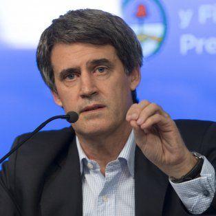 El ministro de Economía Prat Gay dio detalles de los anuncios que hoy realizó el presidente.