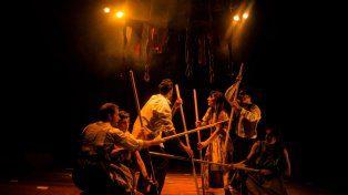 El elenco de Violeta en escena. La obra de nuevo circo sale otra vez a escena