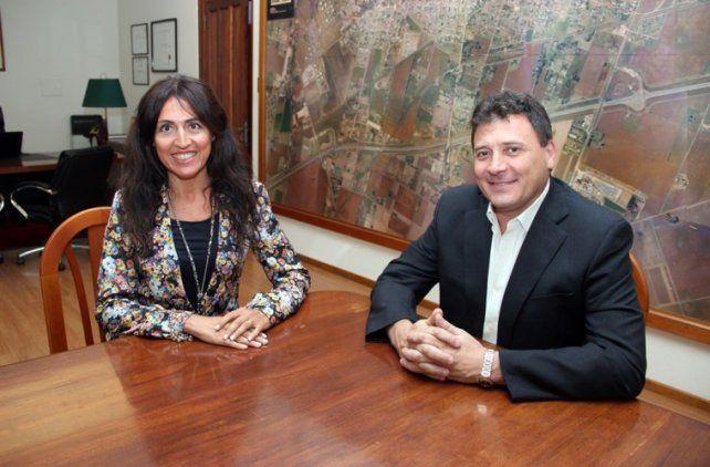 gestión. La directora local del Pami y el intendente de San Lorenzo.