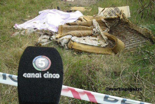 Tapado. El cuerpo de Mansilla apareció entre yuyos y cubierto con un cartón.