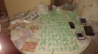 Personal de la Policía de Seguridad Aeroportuaria y de Gendarmería secuestró drogas
