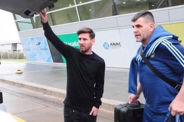 Leo Messi arribó a su ciudad natal pasadas las 17.