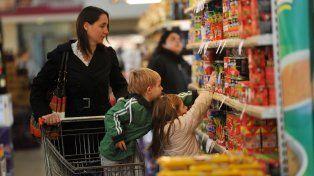 El consumo masivo se contrajo por el aumento de las tarifas