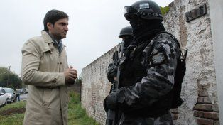 En el lugar. El ministro Pullaro controló en persona los operativos.