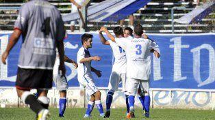 Adentro. Alejo Vecchiarello vuelve al equipo salaíto en lugar de Iramaz.