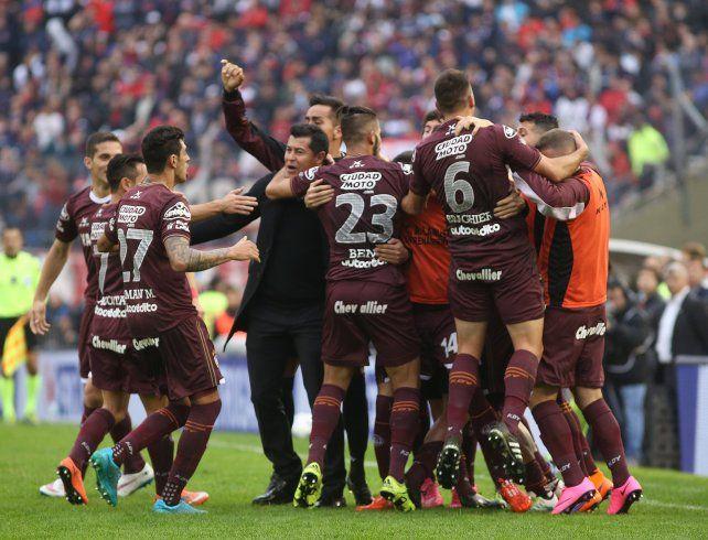 Lanús se consagró campeón tras una goleada sobre San Lorenzo.