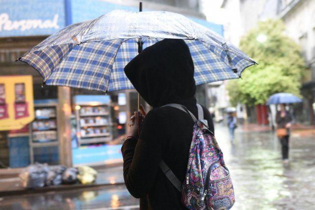 El mal tiempo continuará durante la mañana del lunes.