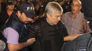 Lázaro Báez le pidió al juez que investigue a los funcionarios que tenían que controlar la obra pública