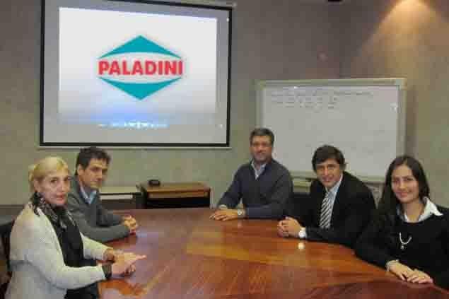 Acuerdo. Paladini busca operarios junto al municipio. La cervecería Daniel O contrató al personal bajo este sistema.