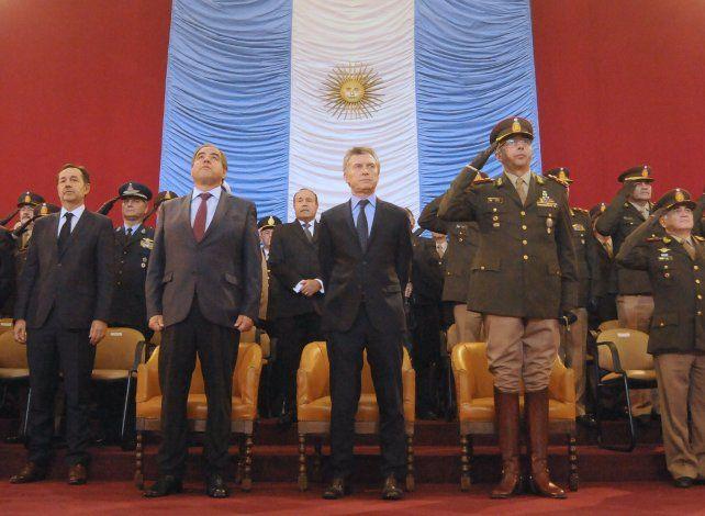 Colegio militar. El jefe del Estado encabezó ayer la ceremonia realizada en El Palomar (Buenos Aires).