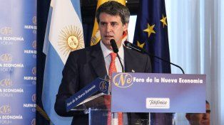 Cabizbajo. El ministro de Hacienda pidió perdón al capital español.